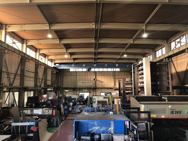 ステンレス板金加工の設備を揃えた工場